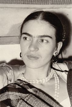 Frida Kahlo, New York City, photo by Lucienne Bloch, 1933