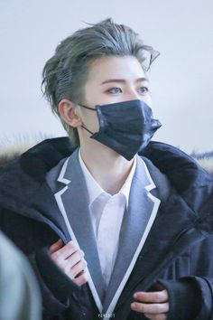 Cai Xukun (蔡徐坤) hes fucking hot. Korean Boys Ulzzang, Ulzzang Boy, Korea Boy, Chinese Man, Rapper, Cute Actors, Perfect Boy, K Idol, Asian Boys
