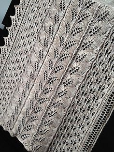 Ravelry: Follia Shawl pattern by Evelyn Lorenzini