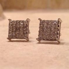 14k white gold 2.5ct t.w. Diamond earrings Preloved  14k white gold 2.5ct t.w. Diamond earrings. Recently appraised for $3995.00. Comes with box and certificate of authenticity. Diamond Jewelry Earrings