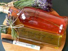 Vyrobte si malé domácí poklady zlevandule - Novinky.cz Fruit Tea, Nordic Interior, Beverages, Drinks, Herbal Tea, Kraut, Whiskey Bottle, Natural Remedies, Herbalism