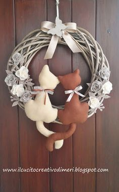 Le creazioni di Mery: Fuoriporta con gattini Grapevine Wreath, Burlap Wreath, Maila, New Years Eve Party, Projects To Try, Shabby Chic, Diy, Wreaths, Inspiration