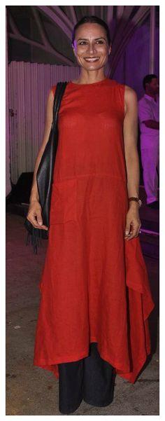 Adhuna Bhabani Akhtar in payalkhandwala Linen Kurta Dress and palazzo Pakistani Outfits, Indian Outfits, Ethnic Fashion, Indian Fashion, Payal Khandwala, Long Tunics, Chanya Choli, Simple Tunic, Dress Outfits