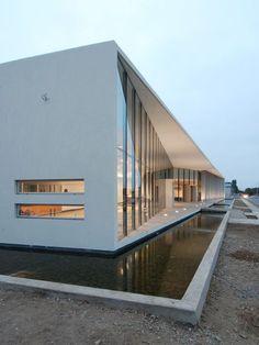 Modern architecture, minimal design, white, water, pool, windows.