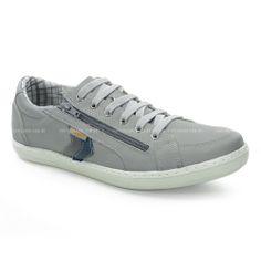 Sapatênis Le Sportiff, confeccionado em couro cinza, detalhes em recortes cinza e azul.O modelo além de conforto e segurança é indicado para todas ocasiões   do dia-a-dia masculino!