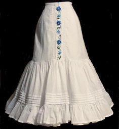 1890s Fashion, Edwardian Fashion, Vintage Fashion, 18th Century Costume, Gown Pattern, Gaucho, Historical Clothing, Fashion History, Costume Design