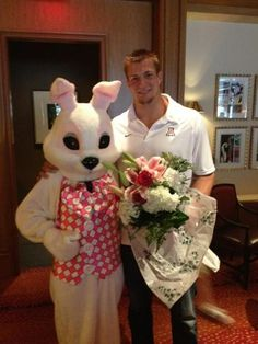 Can you spike a bouquet? If your Rob Gronkowski you bet your ass you can.