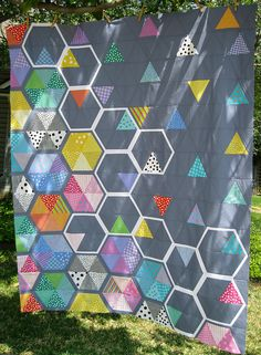 Honey Quilt Top - another fun hexie quilt. I like how she took Elizabeth Hartmans pattern and made it her own.
