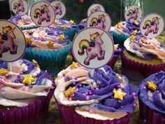 Unicorn cupcakes by Arte, amor y sabor repostería personalizada.