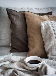 Scandinavian Pillows, Scandinavian Interior, Passion Deco, Brown Pillows, My New Room, Cozy House, Linen Bedding, Brown Bedding, Linen Pillows