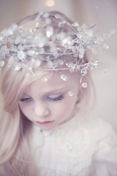 ❀ Fanciful Flower Girls ❀ dresses & hair accessories for the littlest wedding attendant :-) sweet idea for a flower girl crown (Kristen VanDeventer Rice)