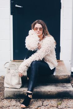 FOUR SUMMER WARDROBE PIECES THAT TRANSITION TO FALL - Brittany Comeaux | fuzzy blush pink sweater with black jeans | cozy fall layers | winter outfit inspiration