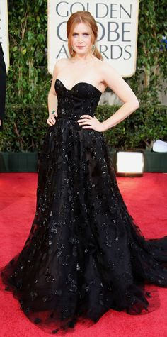 Amy Adams from Oscar de la Renta's Top Red Carpet Looks For big events, Amy often opted for Oscar. Such was the case at the 2009 Golden Globes. Golden Globe Award, Golden Globes, Glamour, Vestidos Oscar, Oscar Dresses, Red Carpet Gowns, Amy Adams, Nice Dresses, Hollywood Actresses