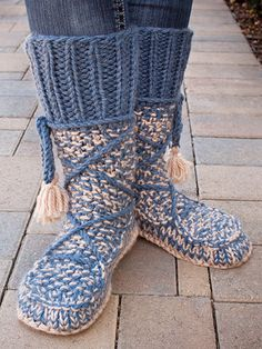 ANNIE'S SIGNATURE DESIGNS: Mukluk Knit Booties Knit Pattern from Annie's Craft Store. Order here: https://www.anniescatalog.com/detail.html?prod_id=132025&cat_id=469
