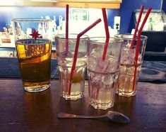 Tultiin kehittelemään uusia drinkkejä  Kaikki lähti Tuuri Juoposta.. Poron Kusi on oikeastaan aika hyvää  @jannerajala78 #ruka #finland #winterfun #drinks #bartender #holiday