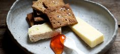 Whole Wheat Crackers with Cheese and Medlar Jelly