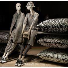Max Mara, London, featuring Aloof mannequins. www.dkdisplaycorp.com   www.bonaveri.com   photo courtesy of windowswear