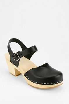 Swedish Hasbeens Covered Toe Sandal (Black)