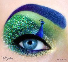 peacock eye makeup1