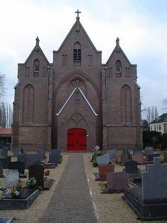 De katholieke Sint-Antonius Abtkerk in Loo is een vroeg werk van Alfred Tepe. De torenloze hallenkerk in neogotische stijl dateert uit 1873-1875 en werd gebouwd ter plaatse van een kapel uit de 15de eeuw.    Bron: http://nl.wikipedia.org/wiki/Sint-Antonius_Abtkerk_(Loo)