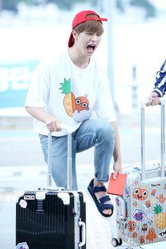 He looks so cute even when he acts wired Sungjae Btob, Im Hyunsik, Lee Minhyuk, Btob Members, Born To Beat, Kdrama Actors, Cube Entertainment, Ulzzang Boy, Seong