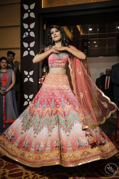Looking for Unique printed lehenga for sangeet? Browse of latest bridal photos, lehenga & jewelry designs, decor ideas, etc. on WedMeGood Gallery. Wedding Dresses For Girls, Indian Wedding Outfits, Wedding Attire, Indian Outfits, Bridal Dresses, Wedding Lehnga, Wedding Bride, Choli Designs, Lehenga Designs