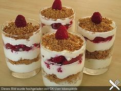 Raspberry dessert with speculoos, a tasty recipe from the Desse . - Dessert Rezepte - Dessert im Glas und mehr - Winter Desserts, Christmas Desserts, Christmas Recipes, Delicious Desserts, Dessert Recipes, Yummy Food, Snacks Recipes, Raspberry Desserts, Sweet Tooth