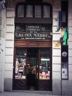 visto en Twitter. El establecimiento más antiguo de Madrid es una farmacia.