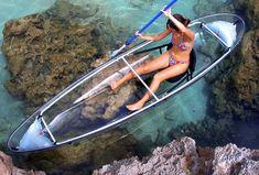 O caiaque transparente permite ver o fundo do mar (Foto: Clear Blue Hawaii/Divulgação)