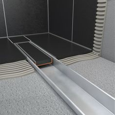 Thanks to its low installation depth of only 43 mm, the Compact shower drain is suitable for any type of (renovation) project.