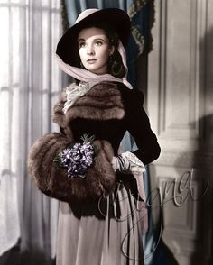 "Vivien Leigh in ""That Hamilton Woman"" (Dir. Alexander Korda, 1941). . Synopsis (IMDb): The story of courtesan and dance-hall girl Emma Hamilton, including her relationships with Sir William Hamilton and Admiral Horatio Nelson and her rise and fall, set during the Napoleonic Wars. - #VivienLeigh #ThatHamiltonWoman #AlexanderKorda #Cinema #Movie #ClassicMovies #ClassicHollywood #OldHollywood #Vintage #VintageHollywood #VintageFilm #VintageMovies #Hollywood #GoldenAgeCinema…"