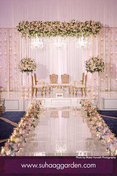 Reception Stage Decor, Wedding Backdrop Design, Desi Wedding Decor, Wedding Hall Decorations, Wedding Stage Design, Luxury Wedding Decor, Wedding Reception Backdrop, Wedding Mandap, Wedding Receptions