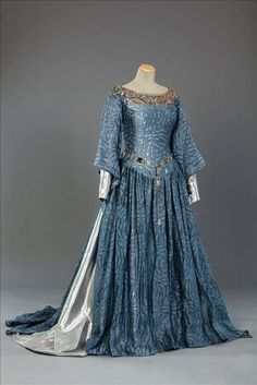 """Queen Isabella's costume from """"World Without End"""" (2012)   Costume Design by Mario Davignon."""