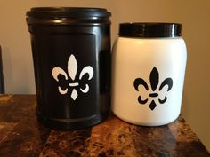 Plastic folgers containers