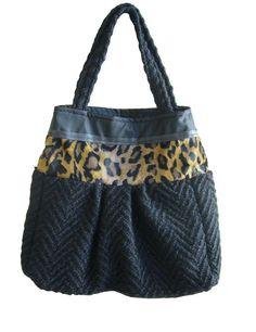 borsa grande  sacca  lana  nero  eco pelliccia  di BAGSaraGui