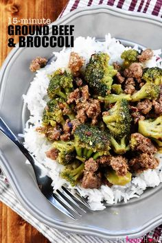 Healthy Ground Beef and Broccoli ~ one of the BEST ground beef recipes.a flavorful, quick and easy skillet recipe that comes together in 15 minutes Healthy Hamburger Recipes, Healthy Ground Beef, Ground Beef Recipes For Dinner, Dinner With Ground Beef, Easy Meat Recipes, Dinner Recipes, Dinner Ideas, Easy Meals With Hamburger Meat, Hamburger Recipes For Dinner