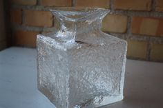 Art glass vase by the Finnish designer Timo Sarpaneva for Iittala, 1970s with ice effect. Height: App 15.3 cm / 6 inches Width: App 11.5cm / 4.4 inches