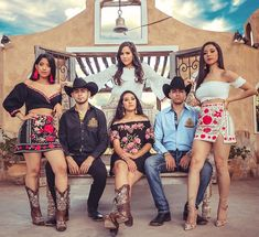 Cute Cowgirl Outfits, Country Style Outfits, Rodeo Outfits, Dance Outfits, Cute Outfits, Mexican Fashion, Mexican Outfit, Mexican Dresses, Mexican Clothing