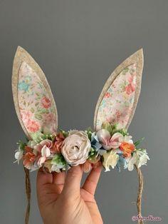 Baby Crafts, Felt Crafts, Easter Crafts, Diy And Crafts, Crafts For Kids, Arts And Crafts, Baby Flower Crown, Baby Headbands, Fabric Flower Headbands