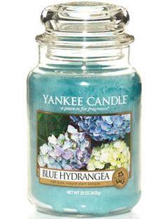 Yankee Candle - Blue Hydrangea ''The enticing scent of beautiful flowers with green notes and hints of hyacinth, lilac and vanilla. '' #YankeeCandle