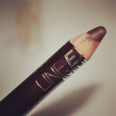 E tem resenha do meu queridinho Liner Express marronzinho da @MaybellineBR também #makeup #maquiagem no blog