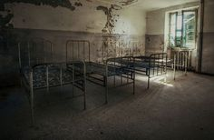<!--:en-->Haunting Photography of  Abandoned Italian Ruins By CriticalMass <!--:-->