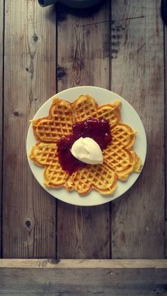 Low Carb Recipes, Waffles, Food And Drink, Gluten Free, Egg, Breakfast, Cake, Desserts, Eggs