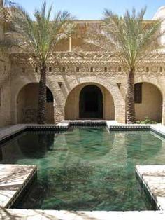In southern Tunisia, in the heart of the palm grove, stands in the alleys of the old town of Tozeur an unsuspected palace of a thousand and one nights