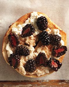 Cottage Cheese and Blackberries on a Whole-Wheat Bagel, Wholeliving.com