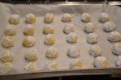 circa un'ora. Riprendere l'impasto e Italian Cookie Recipes, Italian Cookies, Italian Desserts, Baking Soda Health, Italian Biscuits, Biscuit Cake, Crepes, Lemon Cookies, Dory
