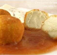 Croquetas de queso azul con salsa de membrillo MisThermorecetas INGREDIENTES: * Para las croquetas: – 30 gr. de aceite de oliva – 30 gr. de mantequilla – 150 gr. de harina de repostería – 500 gr. del...
