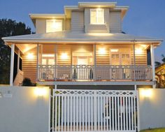Grey weatherboard house. My fave