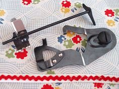 SINGER Underbraider & Quilter Attachment Set - how is it that I still don't have a quilting foot? And I would give my right arm for an underbraider!