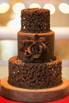 Casamento com Bolo de Chocolate. How To Make A Wedding Cake Look Taller How To Make Wedding Cake, Amazing Wedding Cakes, Amazing Cakes, Pretty Cakes, Beautiful Cakes, Cupcake Cakes, Cupcakes, Cake Wrecks, Cake Tasting